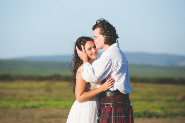 Intimate Scottish De Hoop Wedding by Illuminate Photography {Stacey & Stuart} | SouthBound Bride