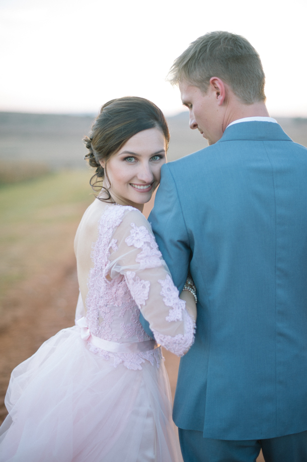 Pastel Blush Wedding at Lezar Opstal by Laura Jansen {Evette & Emile} | SouthBound Bride