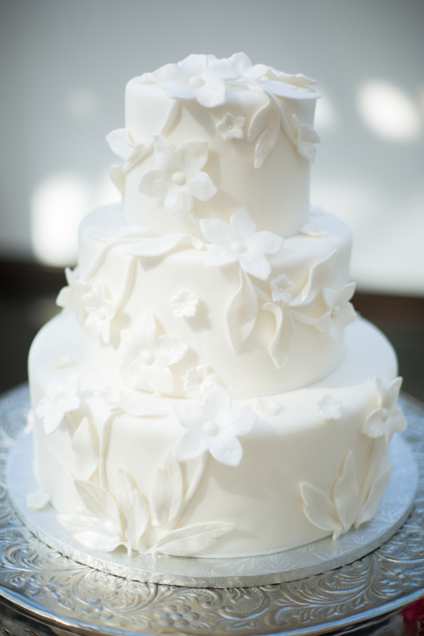 The New Classic: 20 White Wedding Cakes | SouthBound Bride