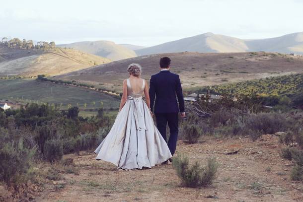 Elegant Naturals Picnic Wedding at Elandskloof {Shani & David} | SouthBound Bride